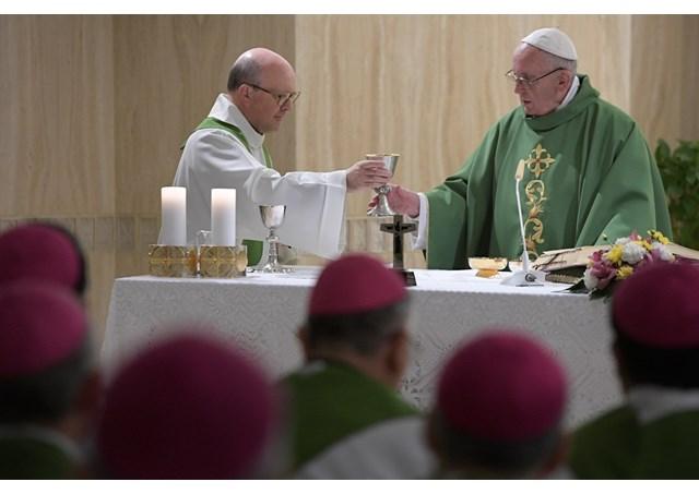 Papa: a familiaridade com Jesus nos liberta